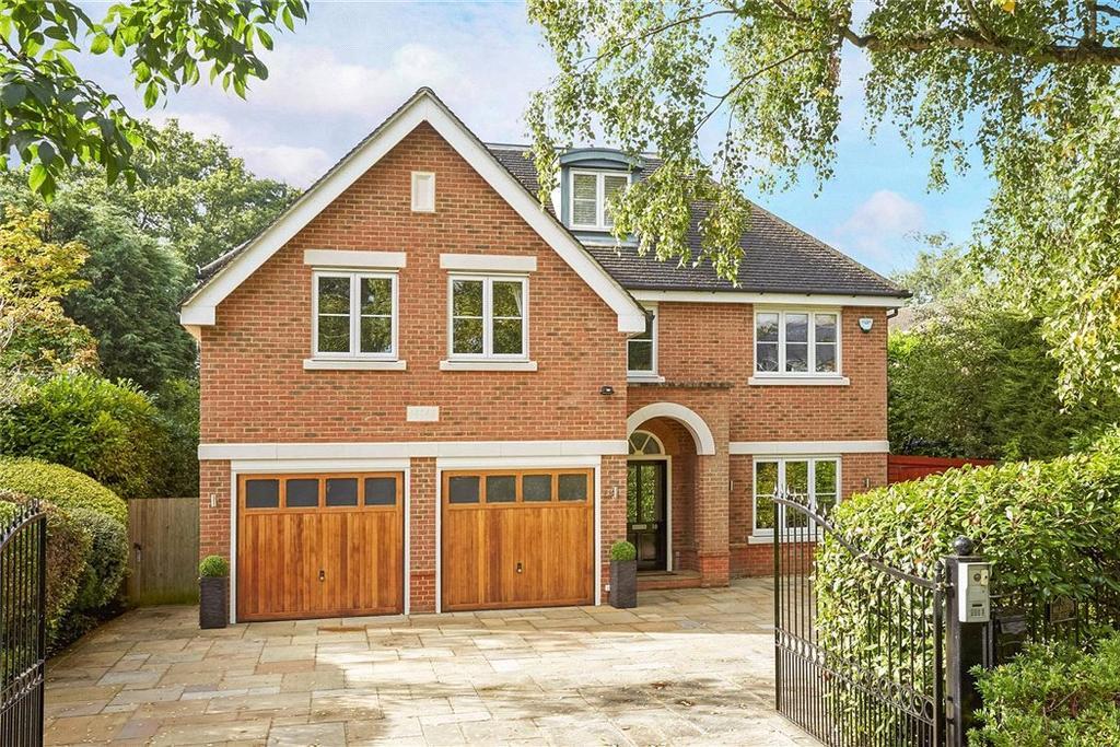 5 Bedrooms Detached House for sale in Littlemead, Esher, Surrey, KT10