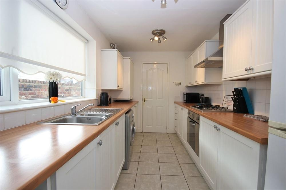 2 Bedrooms Terraced House for sale in Castle Street, WIDNES, Cheshire