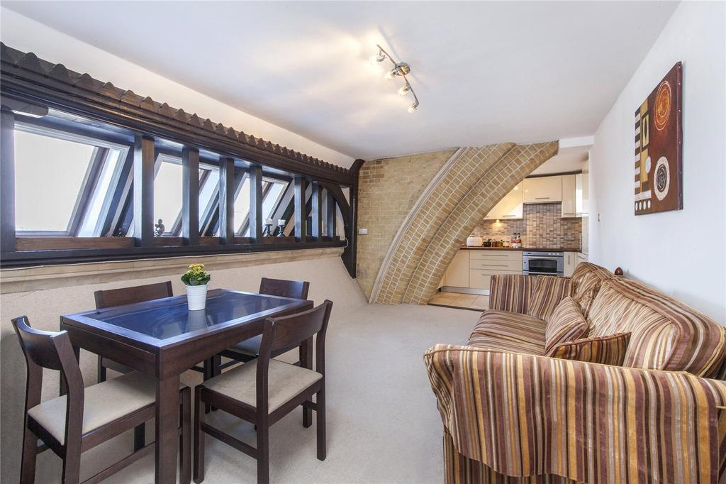 2 Bedrooms Flat for sale in Arundel Square, Holloway, London