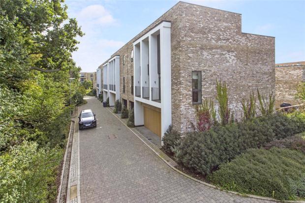 4 Bedrooms Town House for sale in Northrop Road, Trumpington, Cambridge