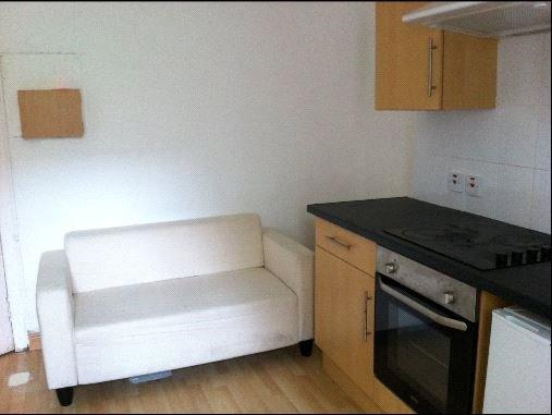 1 Bedroom Flat for rent in Flat B/L, 51 Oakfield Avenue, Glasgow, Lanarkshire, G12