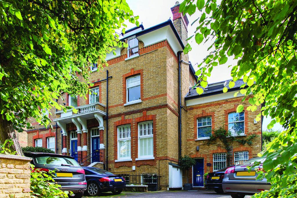 2 Bedrooms Flat for sale in Oakhill Road, SW15