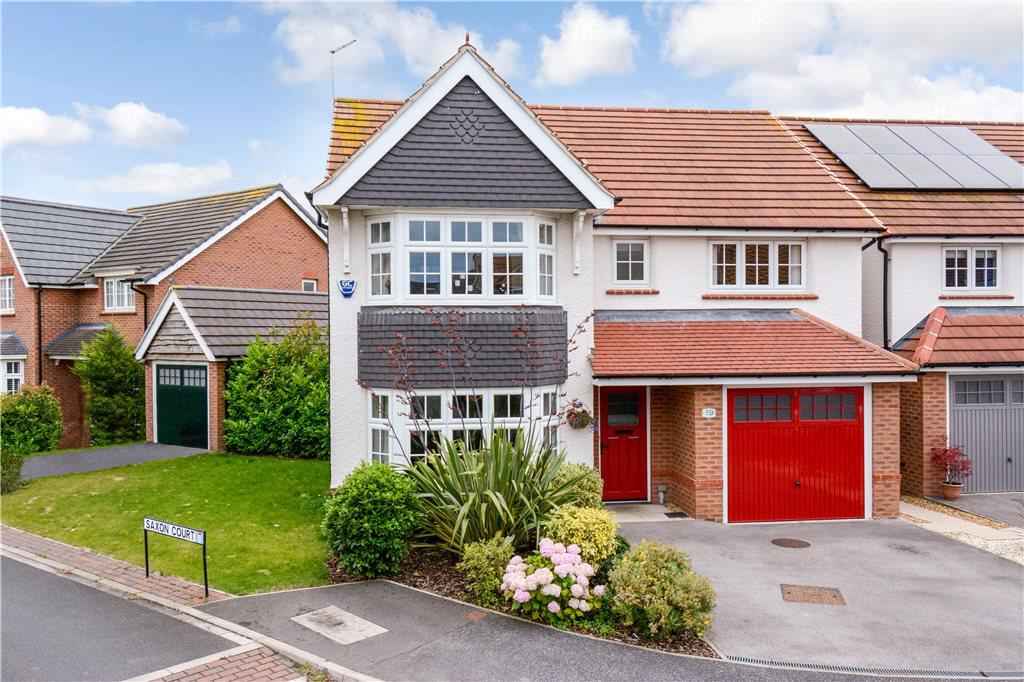 4 Bedrooms Detached House for sale in Saxon Way, Sherburn in Elmet, Leeds