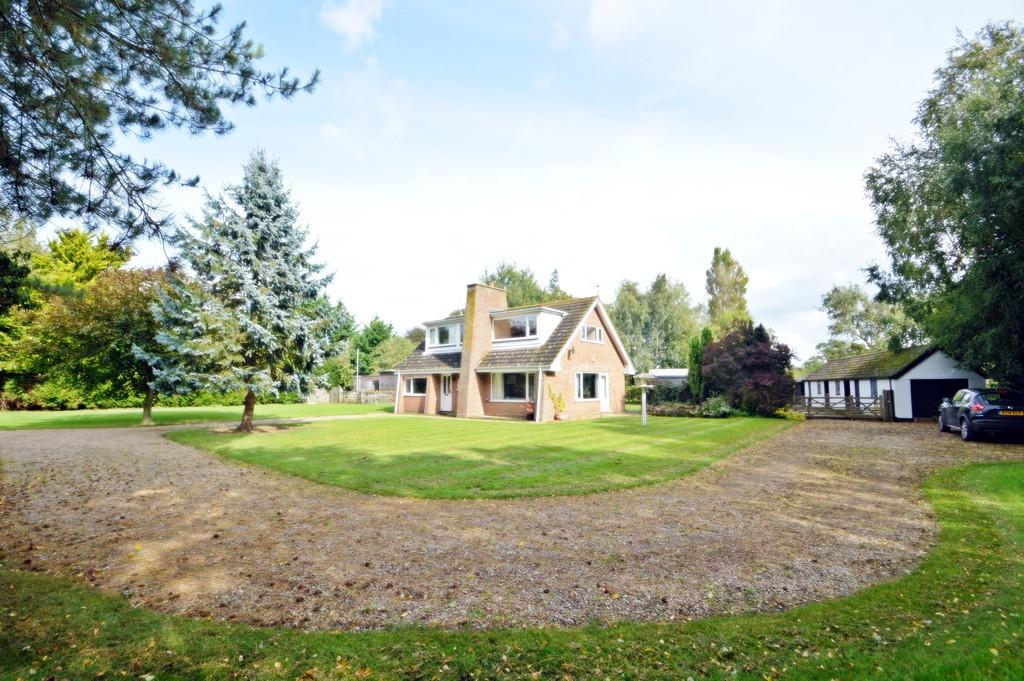 4 Bedrooms Chalet House for sale in Low Common, South Lopham