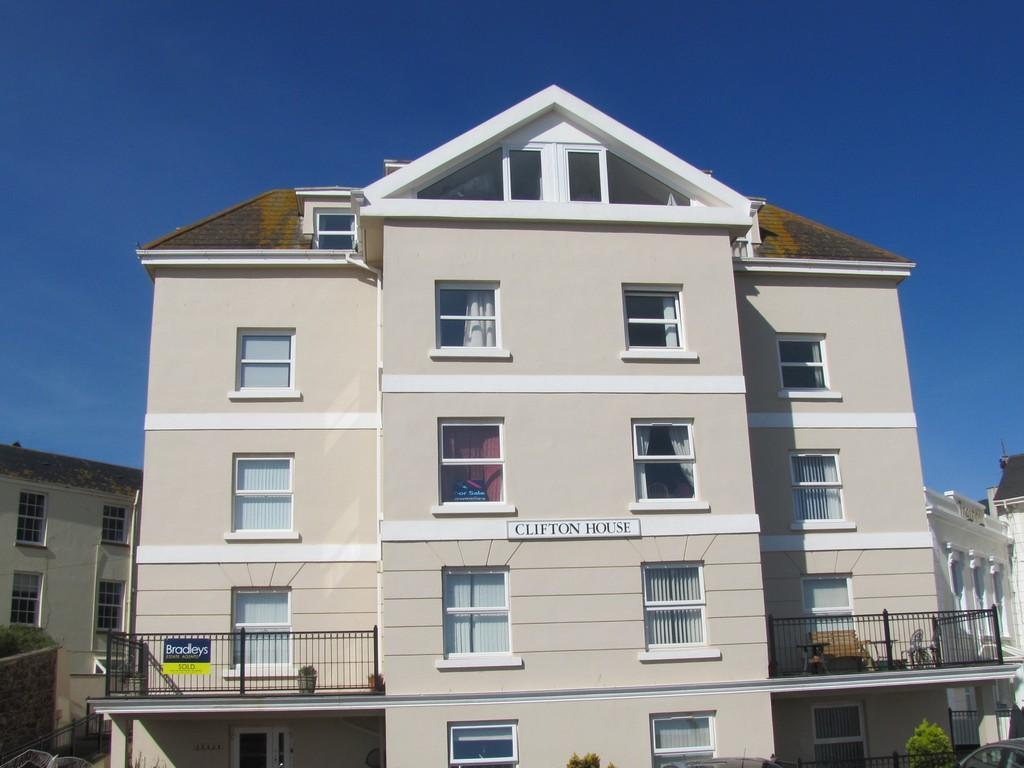 2 Bedrooms Apartment Flat for sale in Den Promenade, Teignmouth, TQ14 8SZ