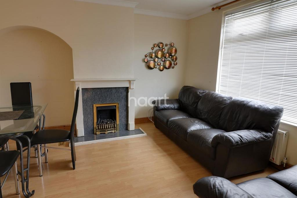 2 Bedrooms Terraced House for sale in Ilchester Road