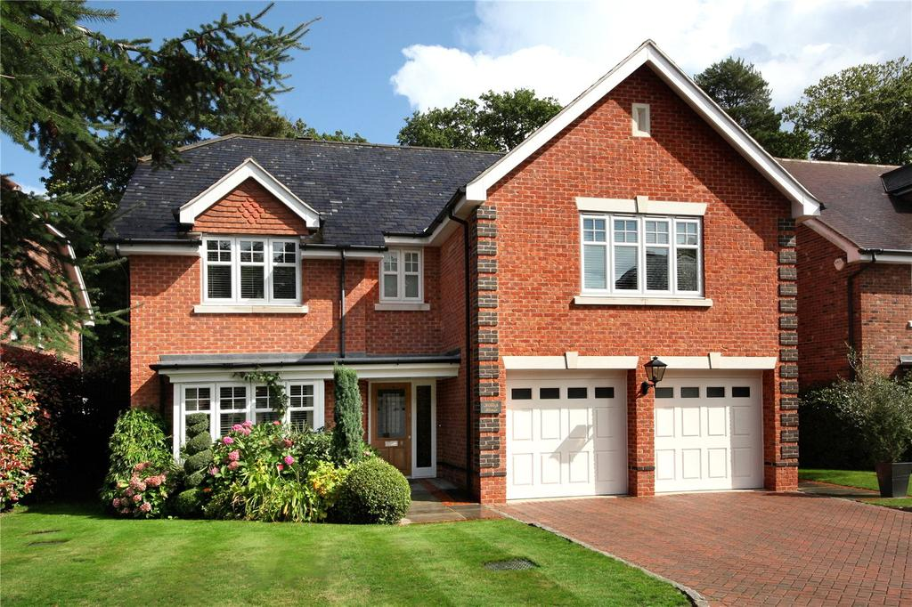 5 Bedrooms Detached House for sale in Chapel Pines, Camberley, Surrey
