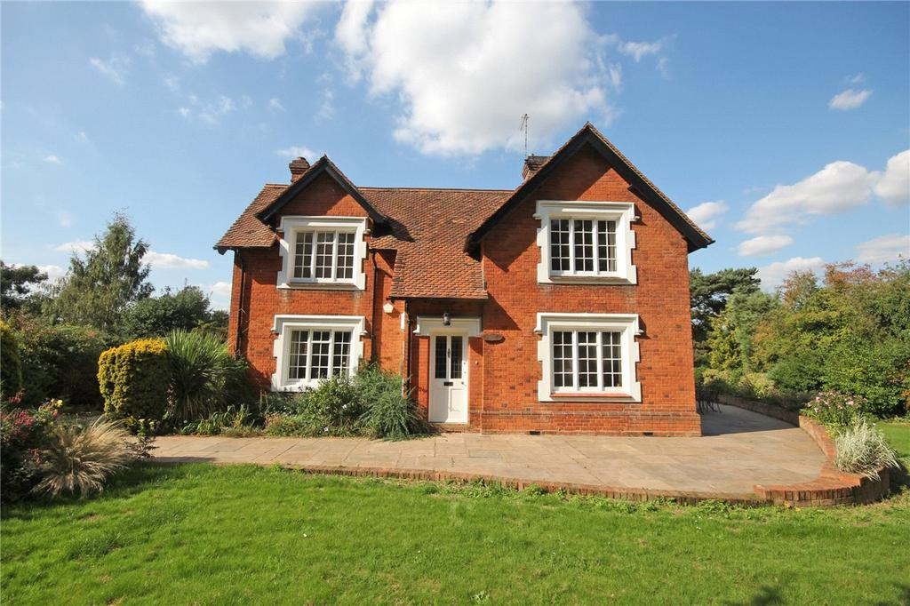3 Bedrooms Detached House for sale in Digswell Park Road, Welwyn Garden City, Hertfordshire