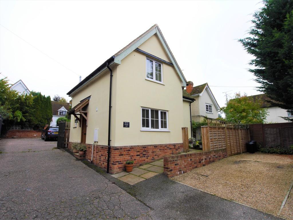 2 Bedrooms Detached House for sale in Myrtle Cottage, 17a Benton Street, Hadleigh, Ipswich, Suffolk, IP7 5AR