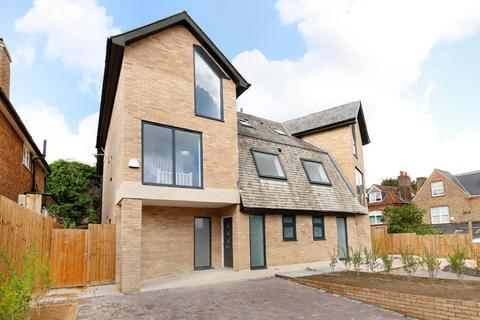 4 bedroom house for sale - Highview Close, Upper Norwood, London, SE19 2DS