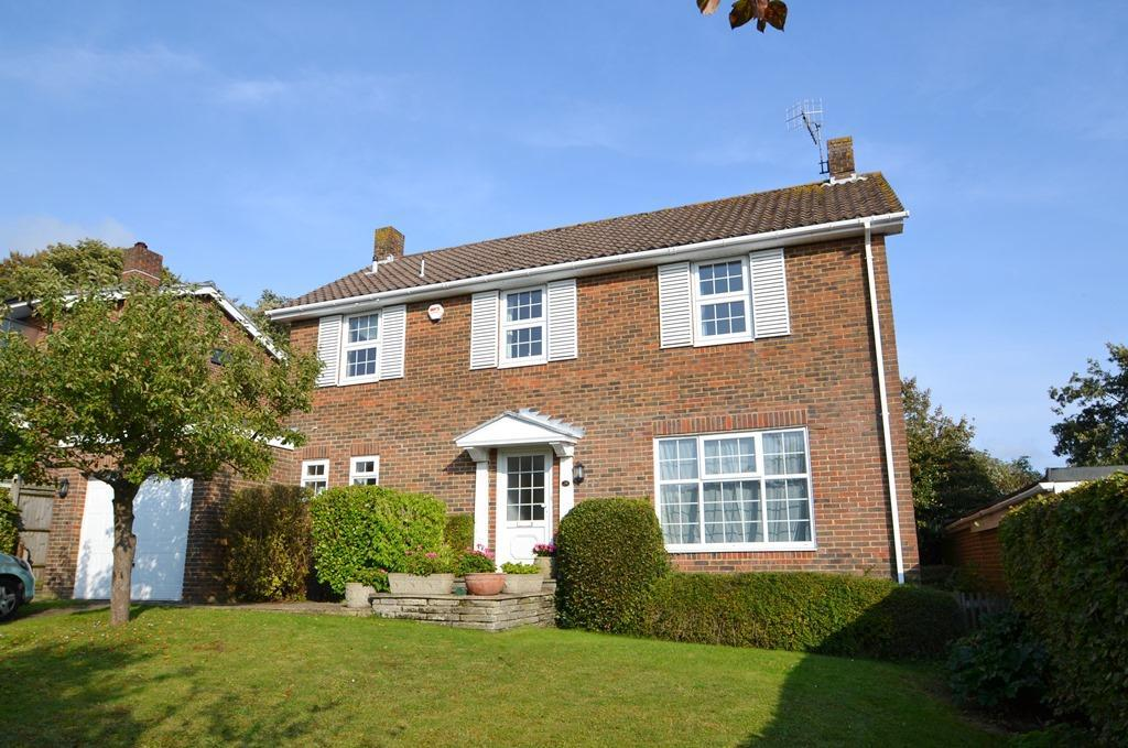 4 Bedrooms Detached House for sale in Longlands, Charmandean, Worthing, West Sussex, BN14 9NN