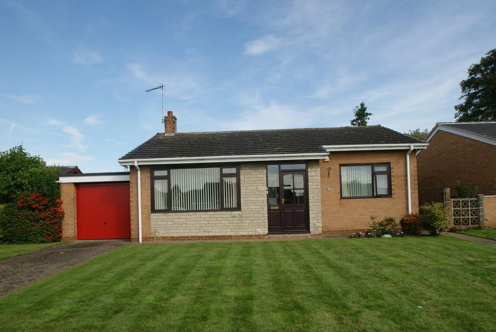 2 Bedrooms Detached Bungalow for sale in Lancaster Crescent, Tickhill