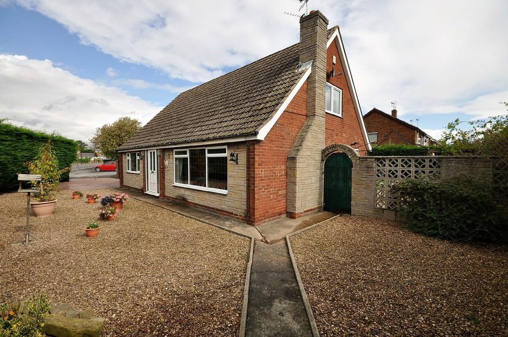 4 Bedrooms Detached Bungalow for sale in Marshland Road, Moorends, Doncaster