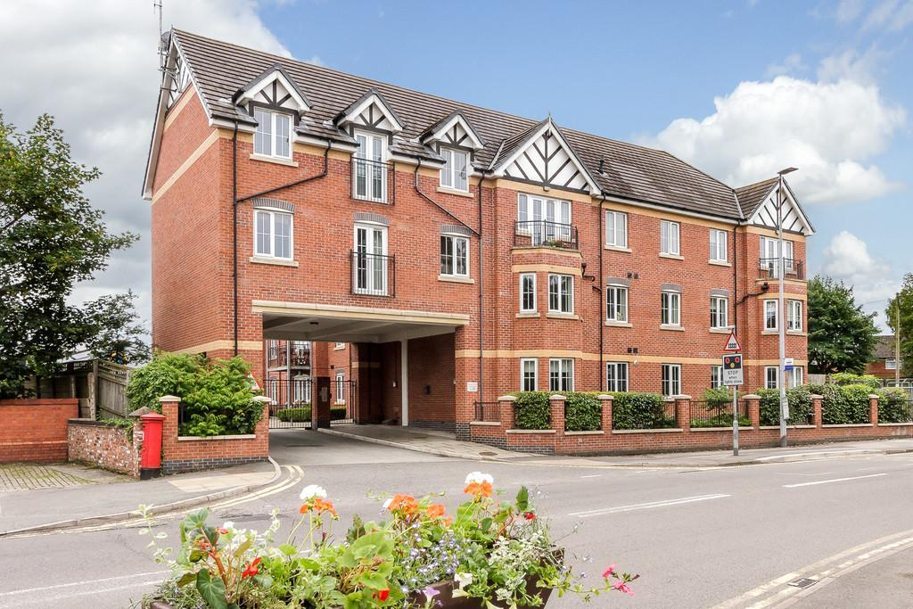 2 Bedrooms Ground Flat for sale in Nantwich, Cheshire
