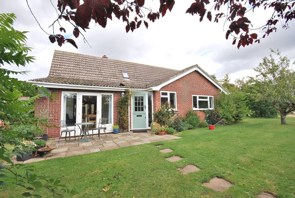 4 Bedrooms Detached House for sale in Bevan Close, Carleton Rode