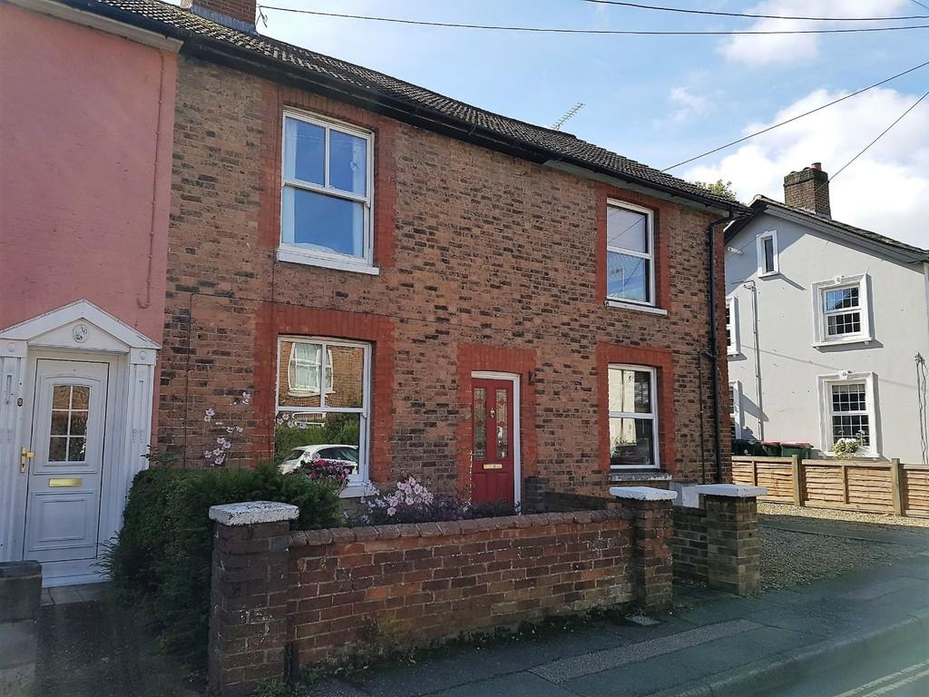 2 Bedrooms Terraced House for sale in Southgate, Crawley, RH11