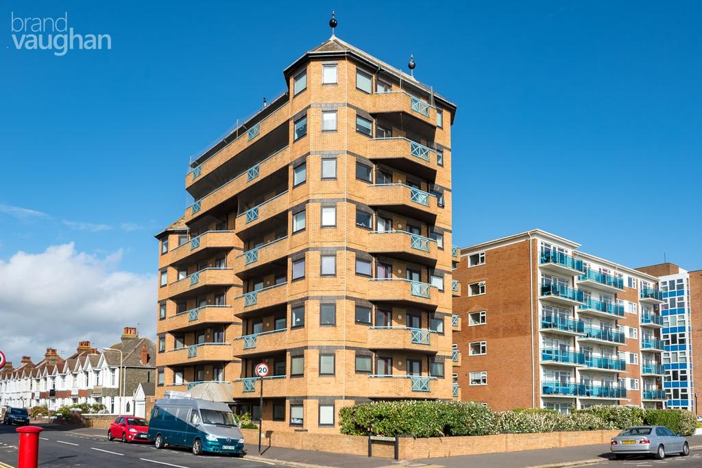 3 Bedrooms Apartment Flat for sale in Kingsway, Hove, BN3