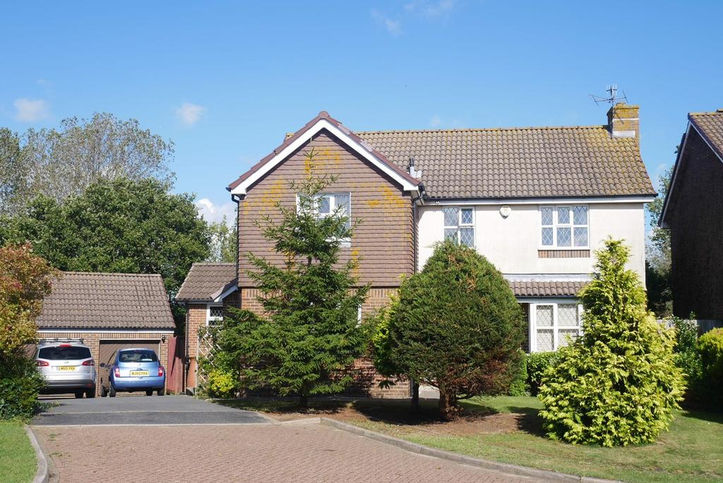 4 Bedrooms Detached House for sale in Hambleton Close, Eastbourne, BN23