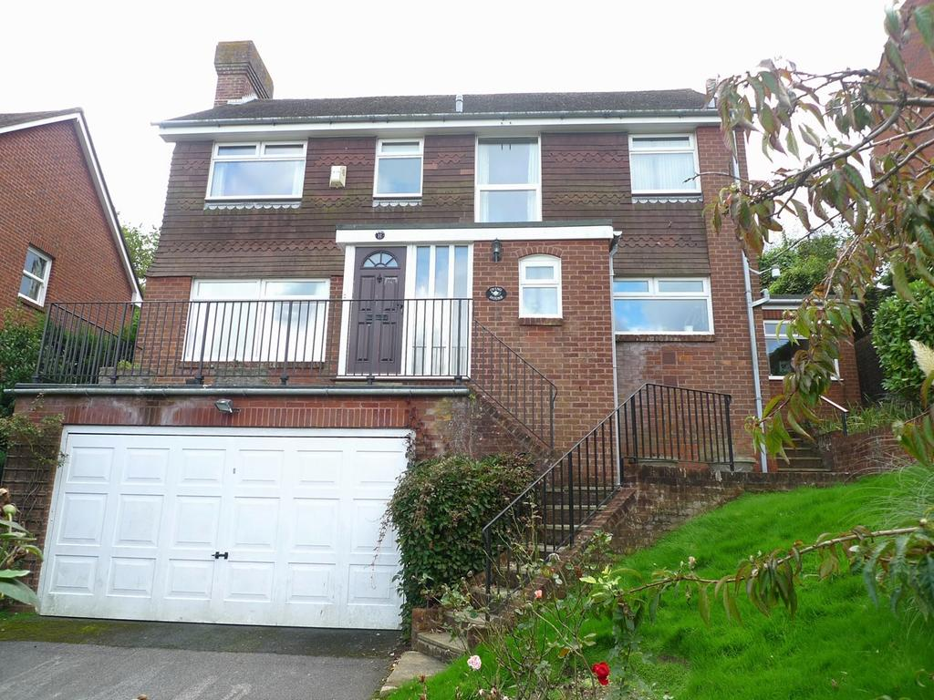 3 Bedrooms Detached House for sale in Ascot Close, Meads, Eastbourne, BN20