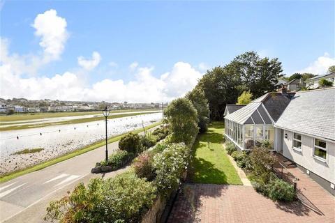 3 bedroom bungalow for sale - King George Memorial Walk, Phillack, Hayle, Cornwall, TR27