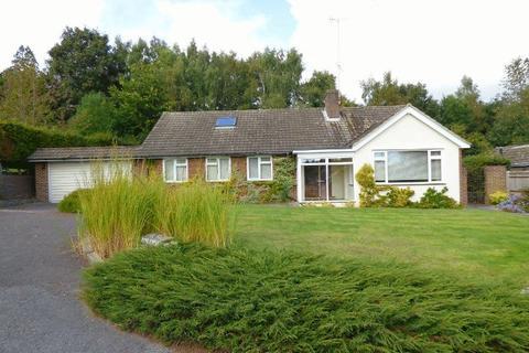 4 bedroom bungalow for sale - Top Street, Bolney