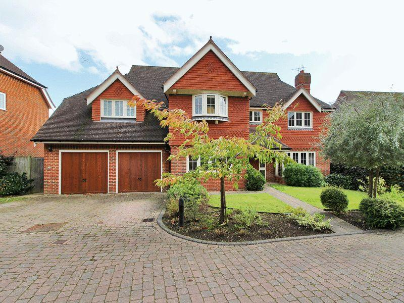 5 Bedrooms Detached House for sale in Spring Meadow, Uckfield, East Sussex