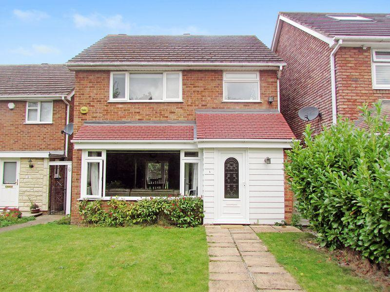 3 Bedrooms Detached House for sale in Heathwood Walk, Bexley
