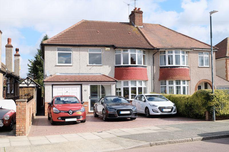 3 Bedrooms Semi Detached House for sale in Langdale Crescent, Bexleyheath