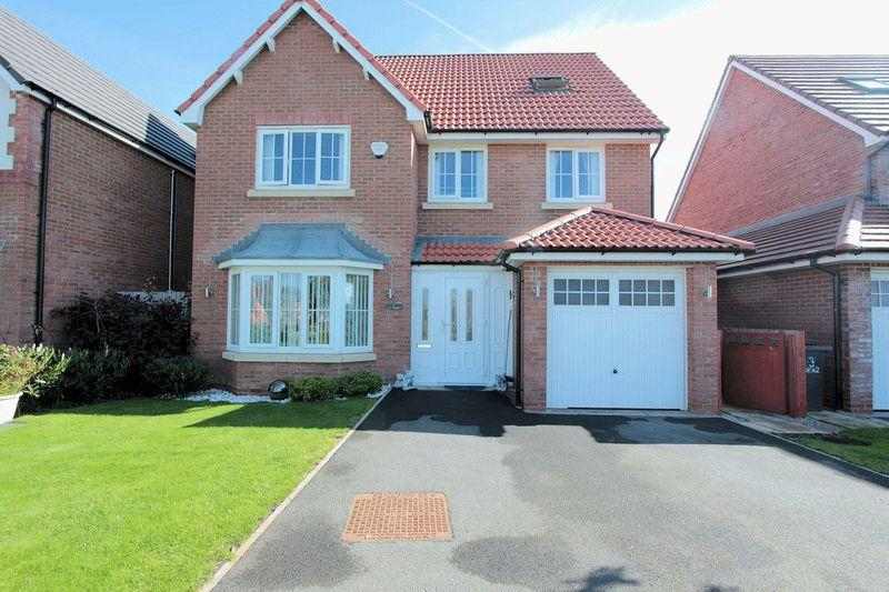 5 Bedrooms Detached House for sale in Cae Thorley, Rhyl