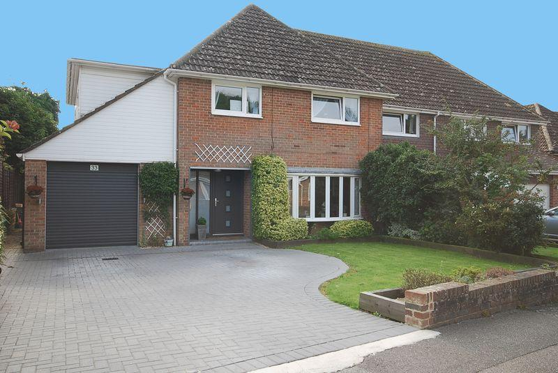 4 Bedrooms Semi Detached House for sale in Hythe/Saltwood
