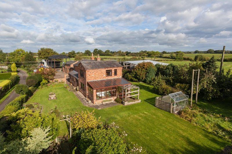 3 Bedrooms Farm House Character Property for sale in Wooleys Farm, Hollin Lane, Nr Aston, Nantwich