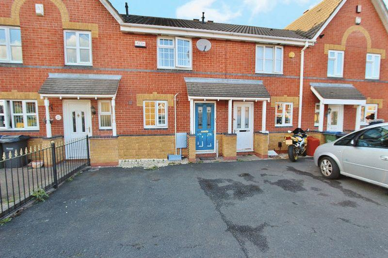 2 Bedrooms Terraced House for sale in St Helens Avenue, Tipton