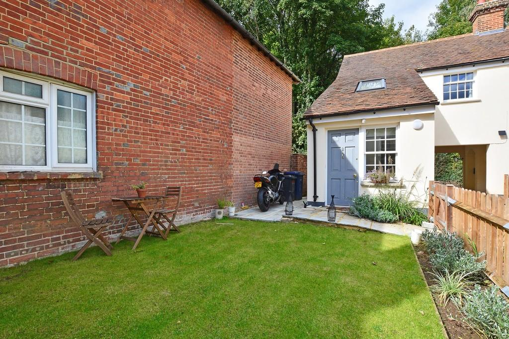 1 Bedroom House for sale in Snowdenham Lane, Bramley