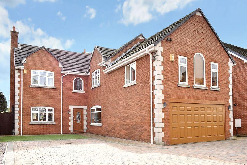 6 Bedrooms Detached House for sale in Greenway Road, Higher Runcorn