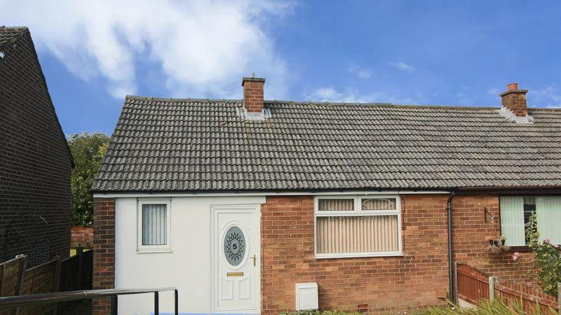 1 Bedroom Semi Detached Bungalow for sale in Rush Mount, High Crompton, Shaw OL2 7QJ