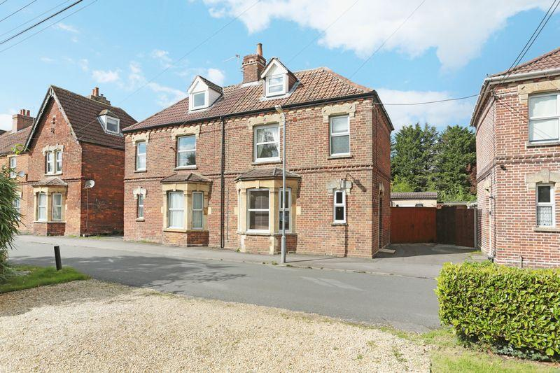 2 Bedrooms Semi Detached House for sale in Devizes, Wiltshire, SN10 2DD