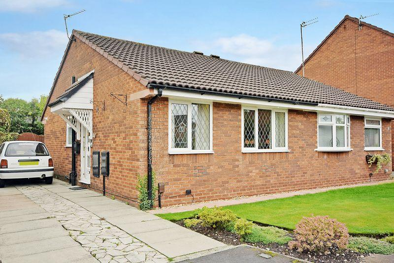 2 Bedrooms Bungalow for sale in Shelton Close, Widnes