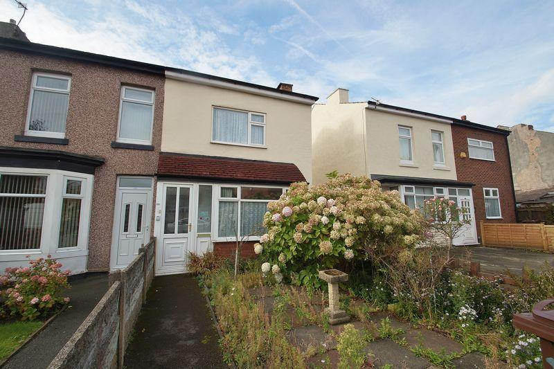 2 Bedrooms Semi Detached House for sale in Southbank Road, Southport