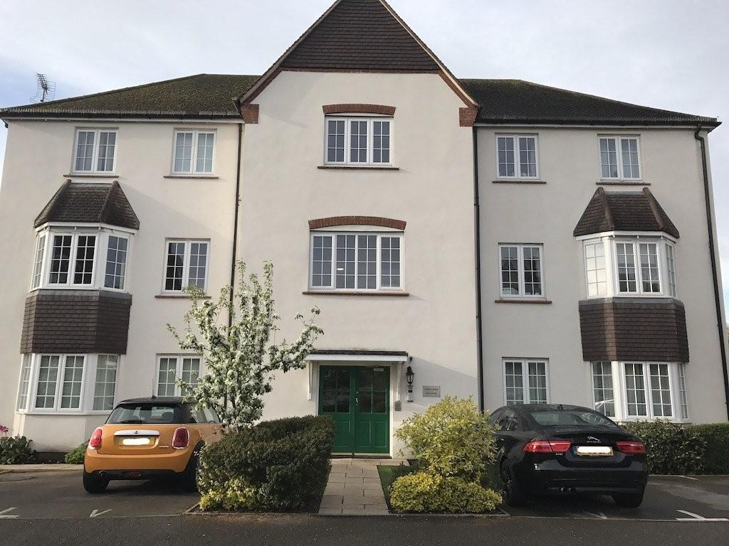 2 Bedrooms Apartment Flat for sale in Catherine De Barnes, Solihull