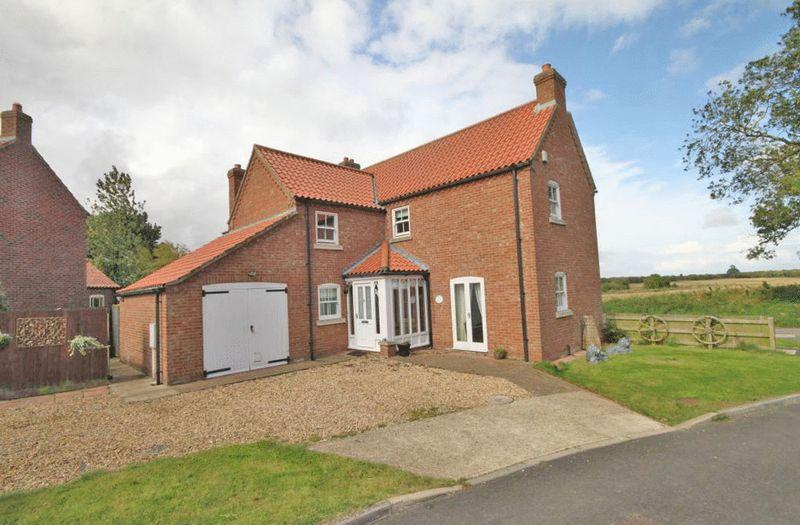 3 Bedrooms Detached House for sale in ST MARGARETS CLOSE, HUTTOFT