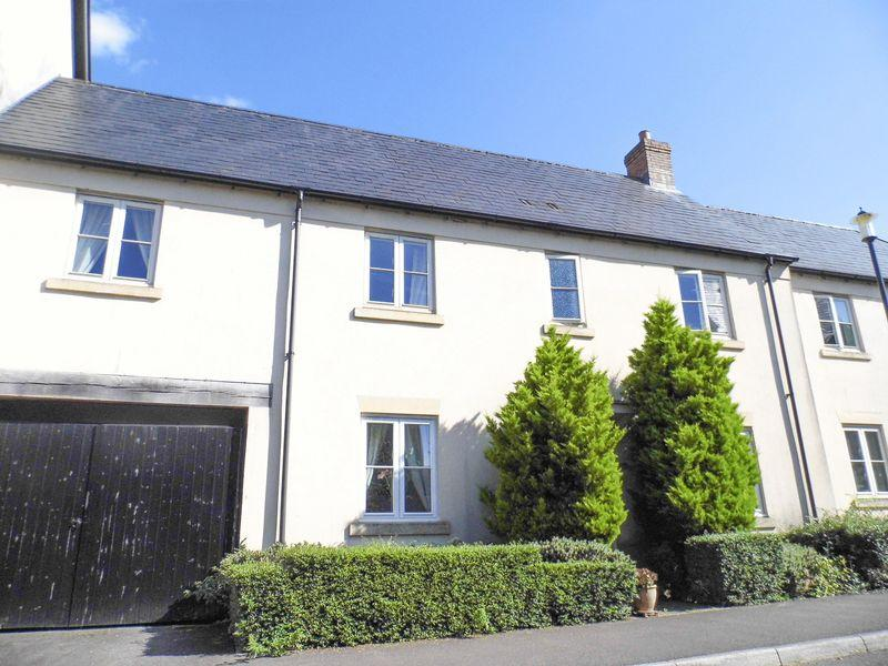 3 Bedrooms Terraced House for sale in Little Brooks Lane, Shepton Mallet
