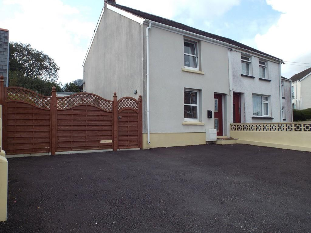 2 Bedrooms Semi Detached House for sale in Llannon Road, Pontyberem