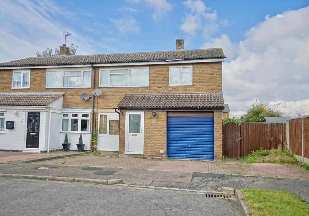 3 Bedrooms Semi Detached House for sale in Mills Walk, Sandy
