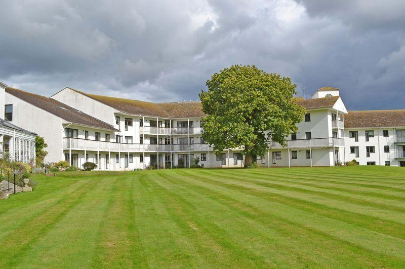2 Bedrooms Apartment Flat for sale in Powys House, All Saints Road