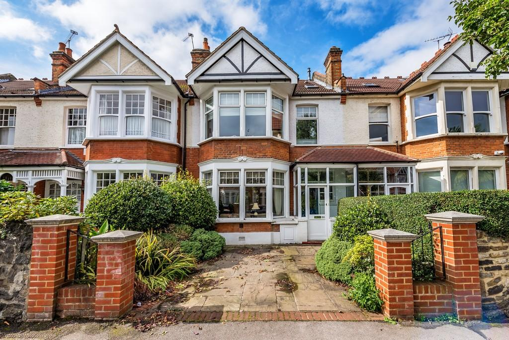 4 Bedrooms Terraced House for sale in Belgrave Road, Wanstead