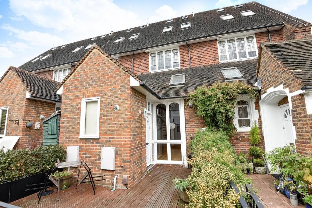 3 Bedrooms Maisonette Flat for sale in Churchfields Road, Beckenham