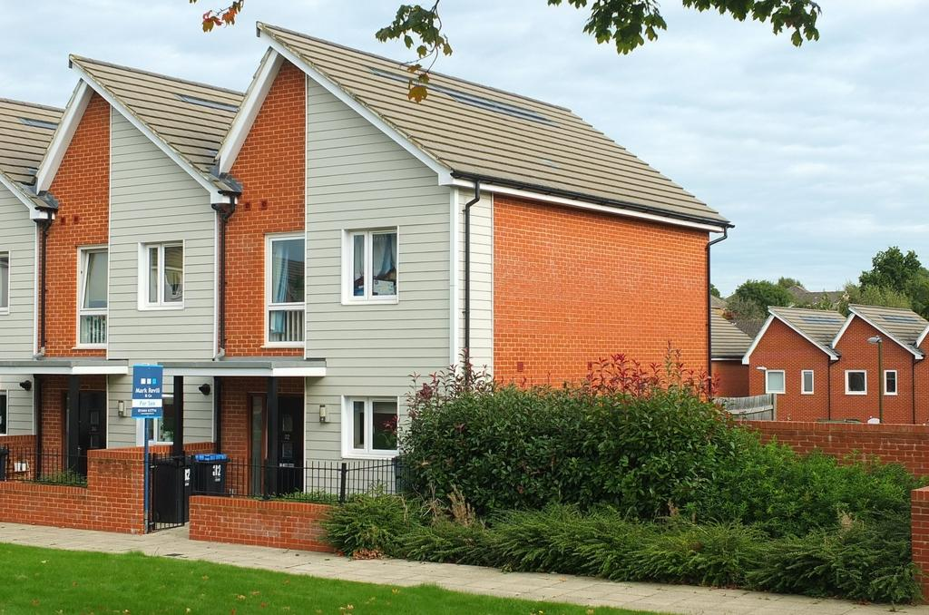 2 Bedrooms House for sale in Lexington Drive, Haywards Heath, RH16