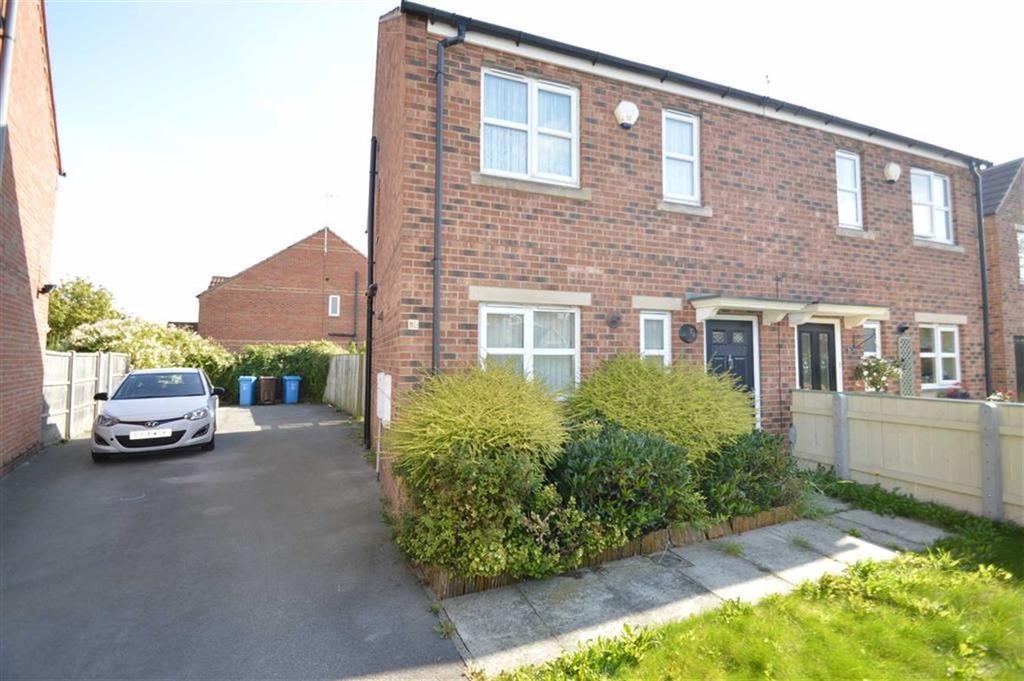 3 Bedrooms Semi Detached House for sale in Hayton Grove, HU4, Hull, HU4