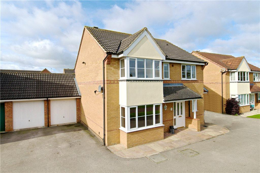 4 Bedrooms Detached House for sale in Bridlington Crescent, Monkston, Milton Keynes, Buckinghamshire