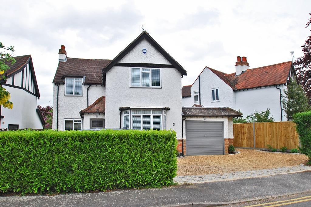 3 Bedrooms Detached House for sale in Baring Crescent, Beaconsfield, HP9